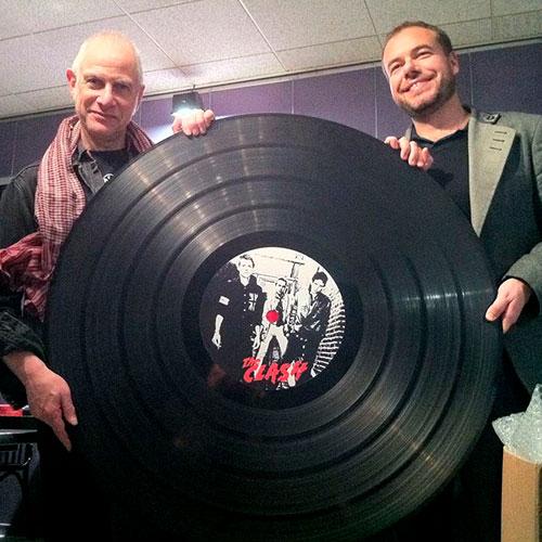 Dj Scratchy From avec Vinyle personnalisé des Clash
