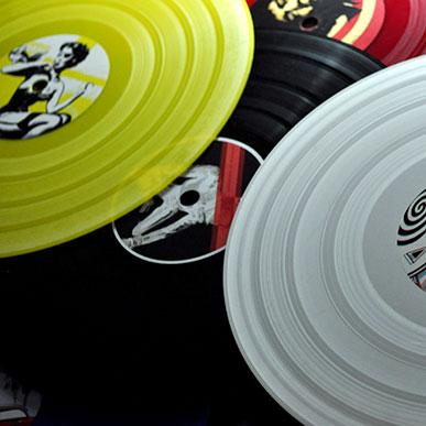 Vinyle personnalisés avec macarons design et visuels graphiques personnalisés
