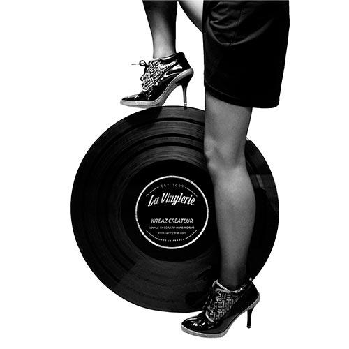 Vinyle 66 tours vintage avec femme look burlesque rétro sexy