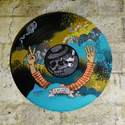 Grand Vinyl peint par artiste ROAN Graffeurs à Angers