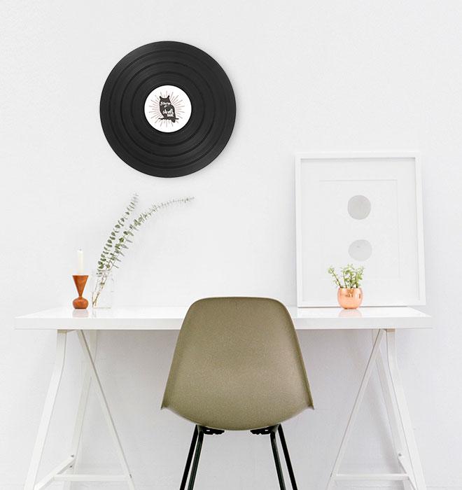 Disque vinyle de décoration 48 tours dans un bureau / cadeau personnlisable