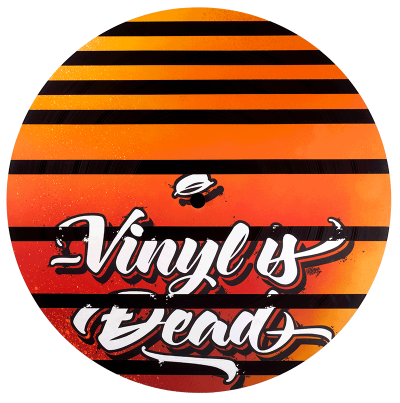 Grand Vinyle customs avec peinture à la bombe par Graffeurs, Vinyl is not dead