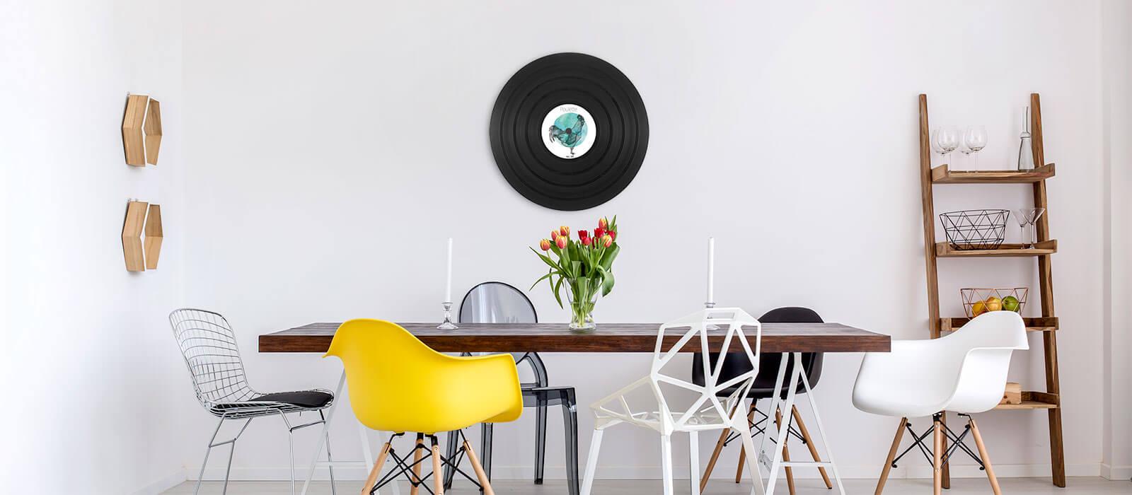 disque vinyle personnalisé pour un cadeau de mariage fait une décoration originale dans le salon design