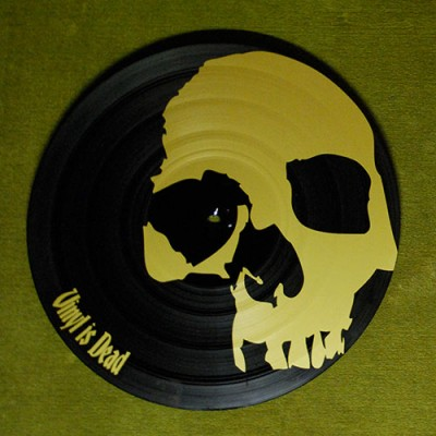 Vinyl customsé en tête de mort pour le thème vinyl is dead